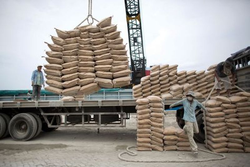مشوقهای صادراتی نادرست، تیشه به ریشه تجارت میزند
